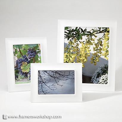 Perla Sanded Snow Prisma Photo Desk Frames at The Framer\'s Outlet ...